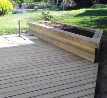 Terrasse et jardinière bois Suilly-la-Tour